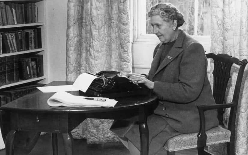 Agatha Christie - romanzo Dieci Piccoli Indiani - magazine Il Biondino della Spider Rossa - ProsMedia - Agenzia Corte&Media-min