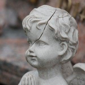 Caso Bibbiano - illeciti negli affidi di bambini - blog Il Biondino della Spider Rossa - articolo di Laura Beggi - agenzia Corte&Media - 2