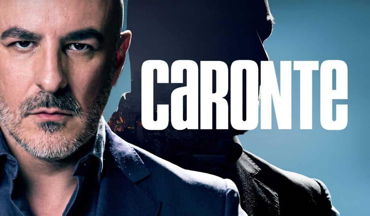 Serie televisive Amazon Prime - Caronte - attore Roberto Alamo - magazine Il Biondino della Spider Rossa - ProsMedia - Agenzia Corte&Media-min