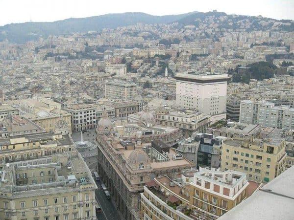 Veduta di Genova con il centro storico - Il Biondino della Spider Rossa - sequestro di Milena Sutter - Lorenzo Bozano