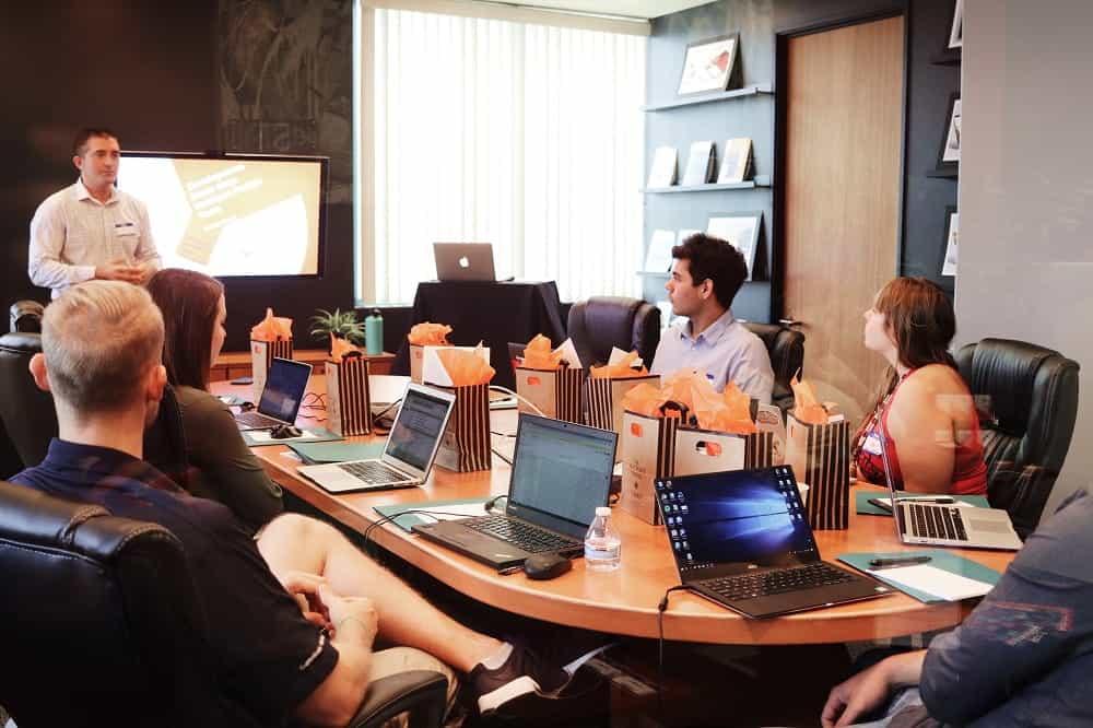 corsi online giornalismo - social media - business blogging - maurizio corte - giornalista - ProsMedia - Agenzia Corte&Media - photo-unsplash