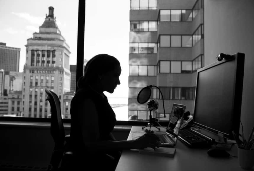cyberviolenza - violenza online - magazine ilbiondino.org - ProsMedia - Agenzia Corte&Media- photo-cristina-unsplash---