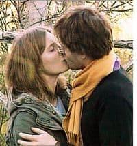 amanda knox e raffaele sollecito si baciano